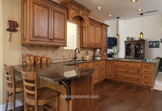 Kitchen-Traditional Maple 0410